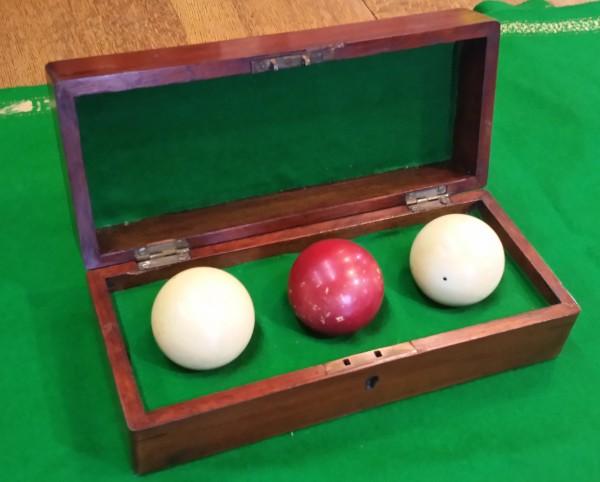 Antique Billiard Balls Ivory 1 7 8 Size In Original Box