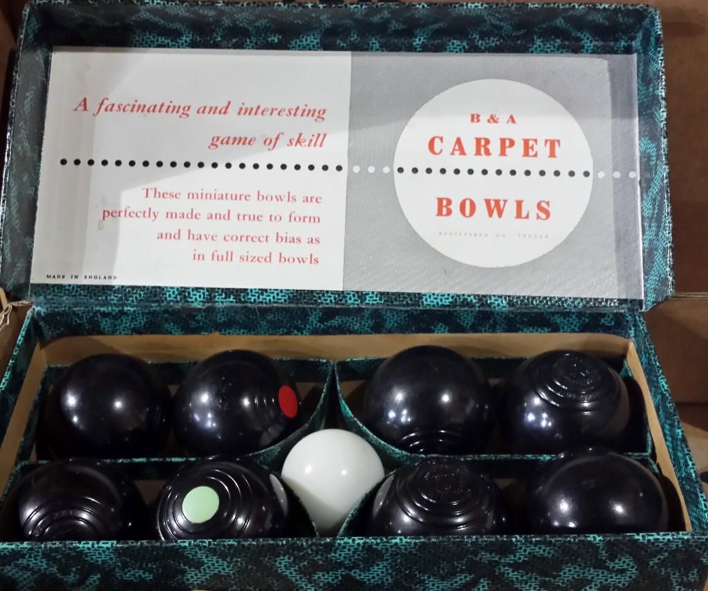 Vintage Table Bowls Carpet Bowls
