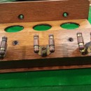 B559a antique 3 clip snooker cue rack