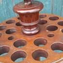 B606 Victorian revolving mahogany cue stand, 21 hole