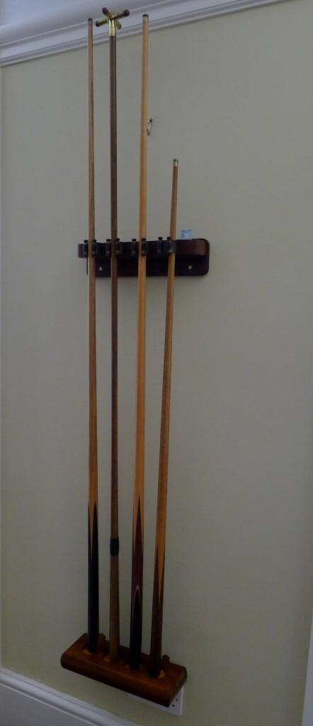 4 clip cue rack