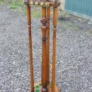 oak cue stand