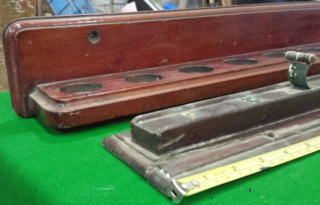 12 clip antique wall rack
